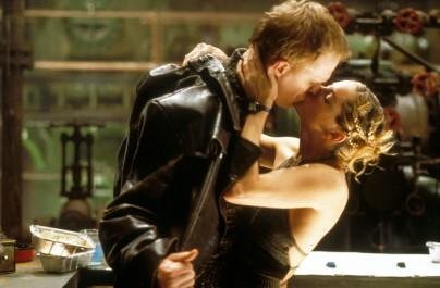 KISS KISS BANG BANG - Still 2