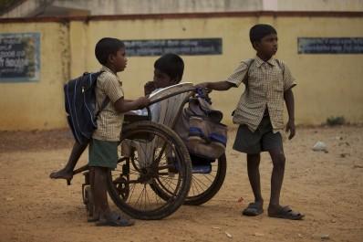 ON THE WAY TO SCHOOL - Still 4